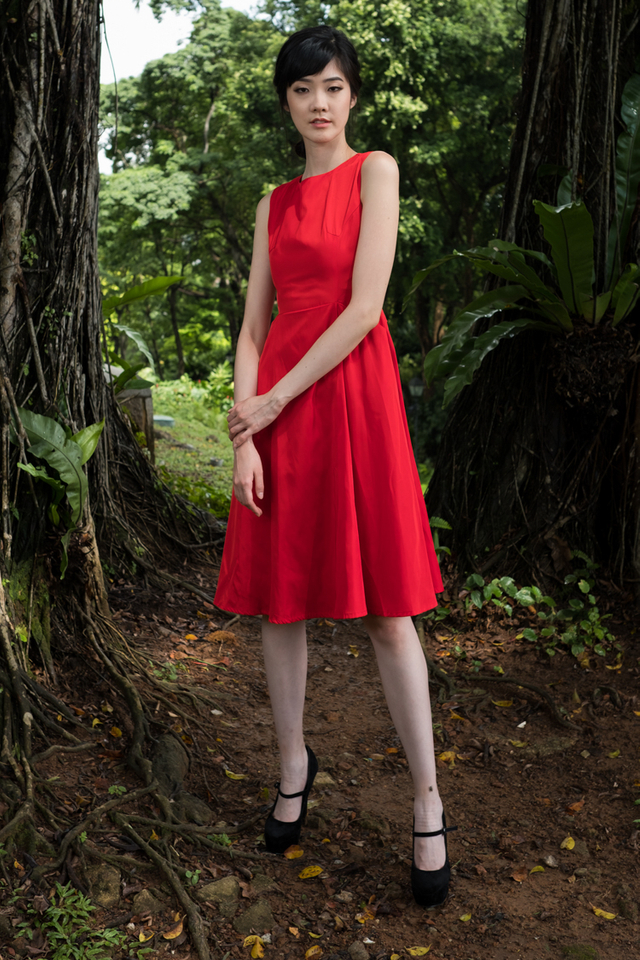 Kane Midi Dress in Red (Size XS)