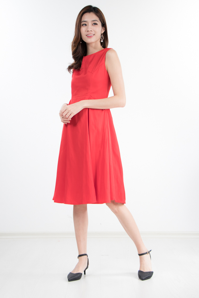 Kane Midi Dress in Red (Size XS)