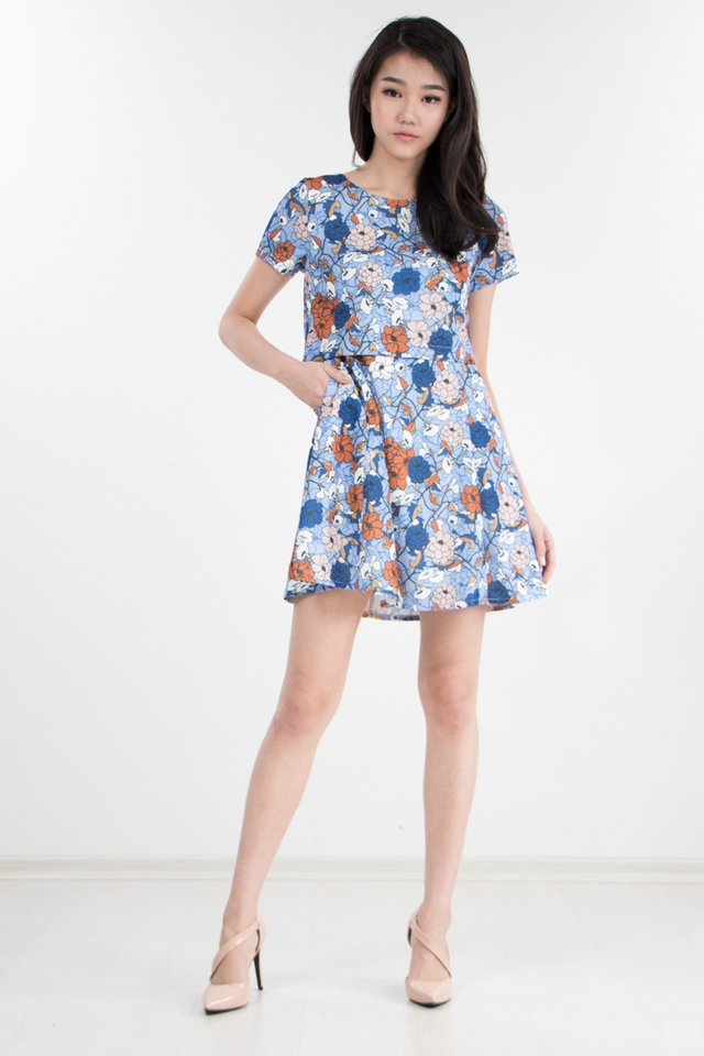Raakel Printed Cape Dress