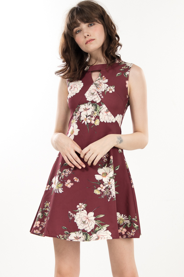 Zeni Floral Keyhole Dress in Wine Red