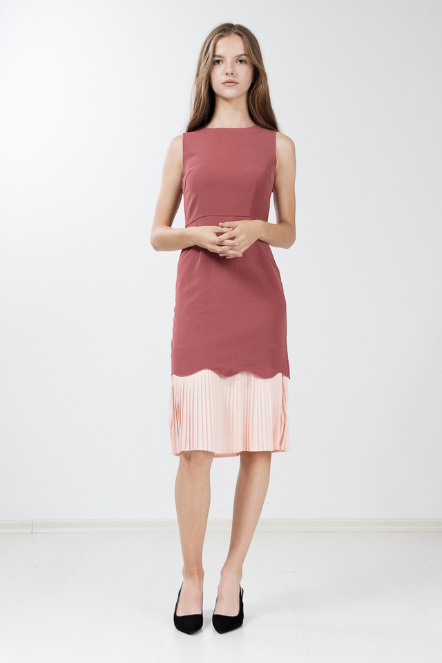 Jeuny Pleated Midi Dress in Rose