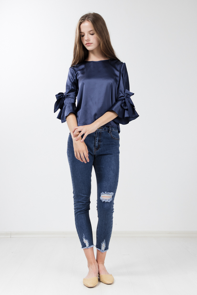 Sarina Top in Blue