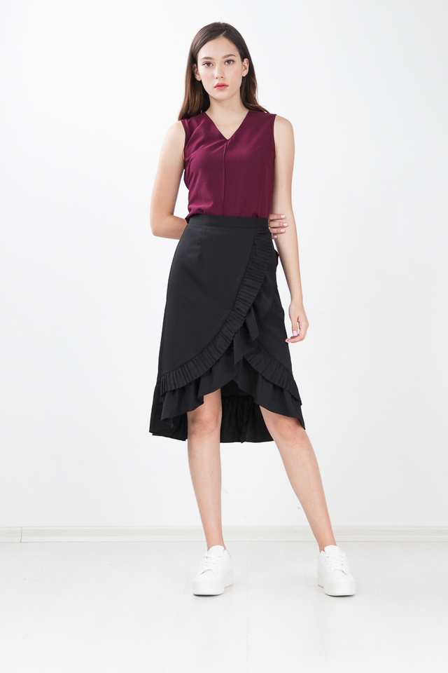 Hampton Pleated Midi Skirt in Black