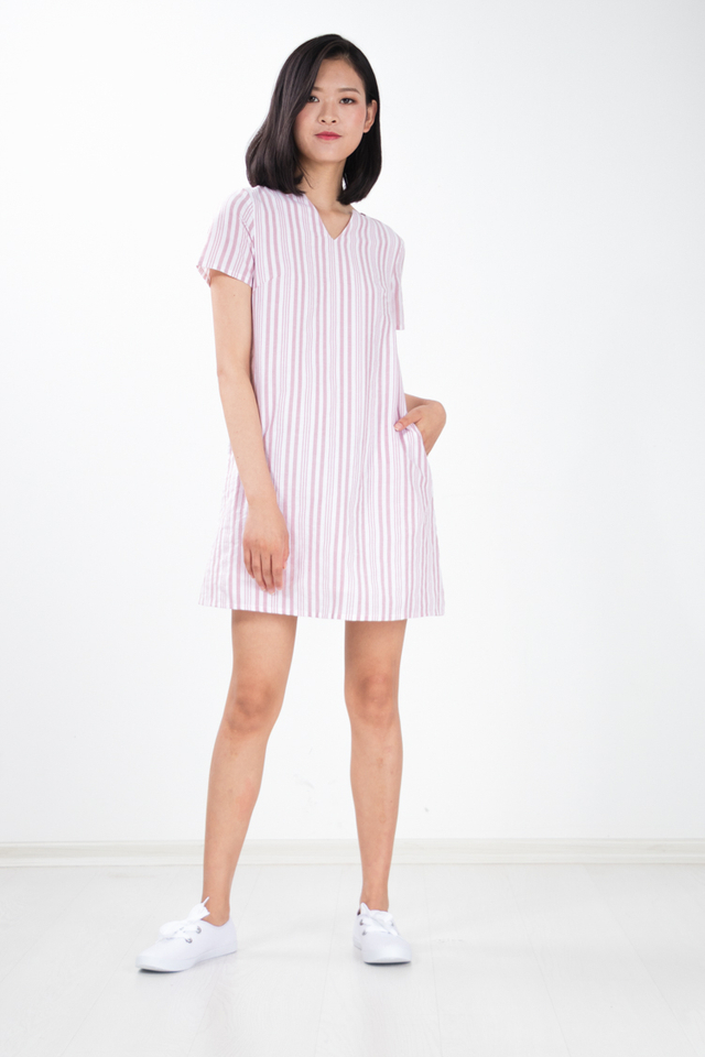 Yurisa Basic Stripe Dress in Pink