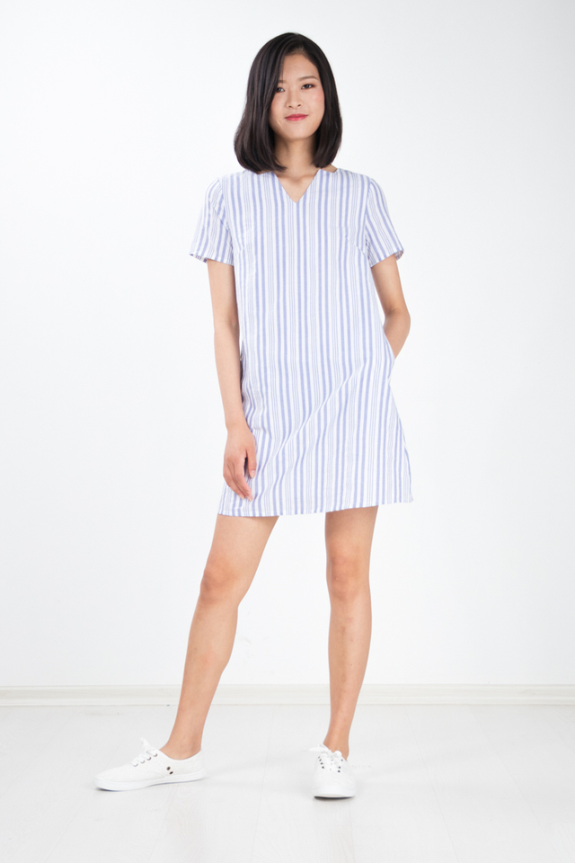 Yurisa Basic Stripe Dress in Blue