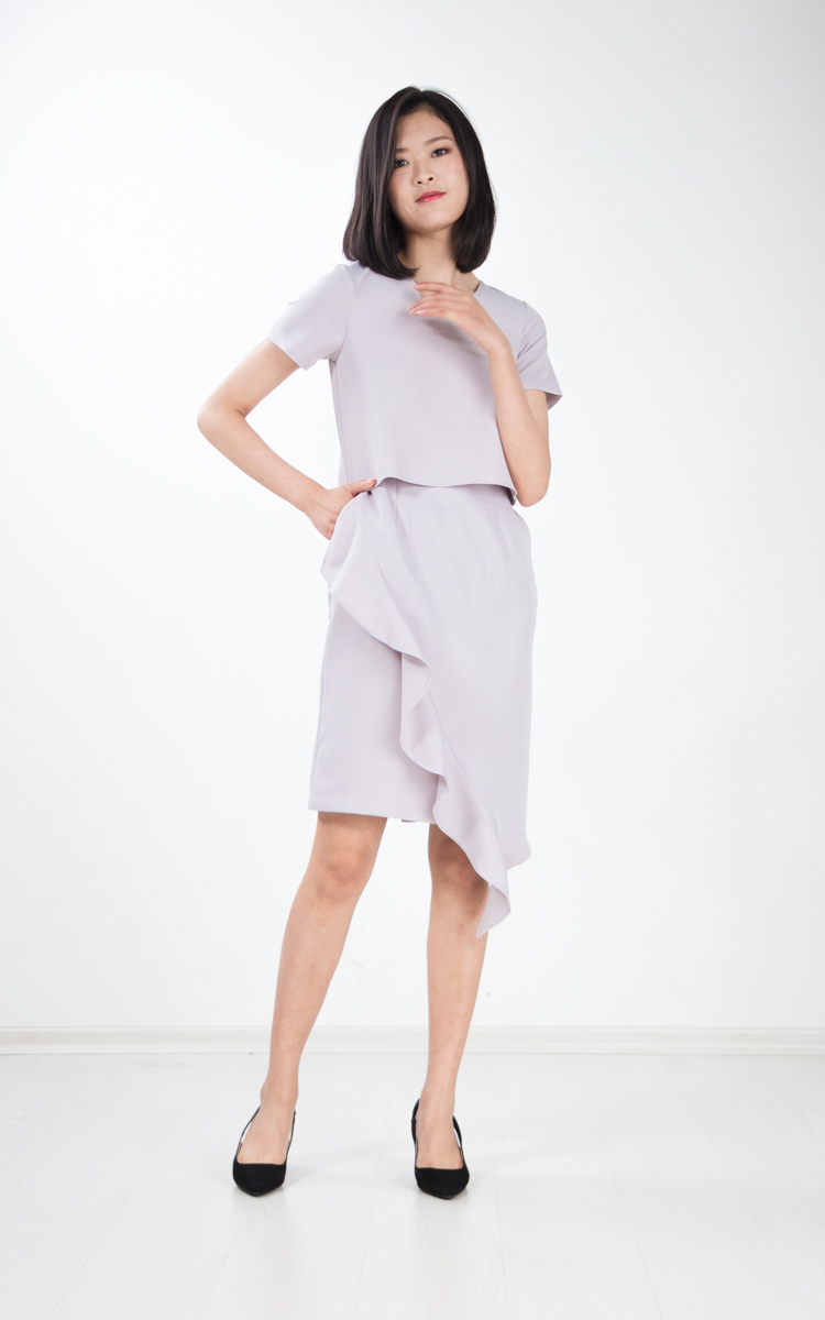 Alika Ruffle Dress in Grey