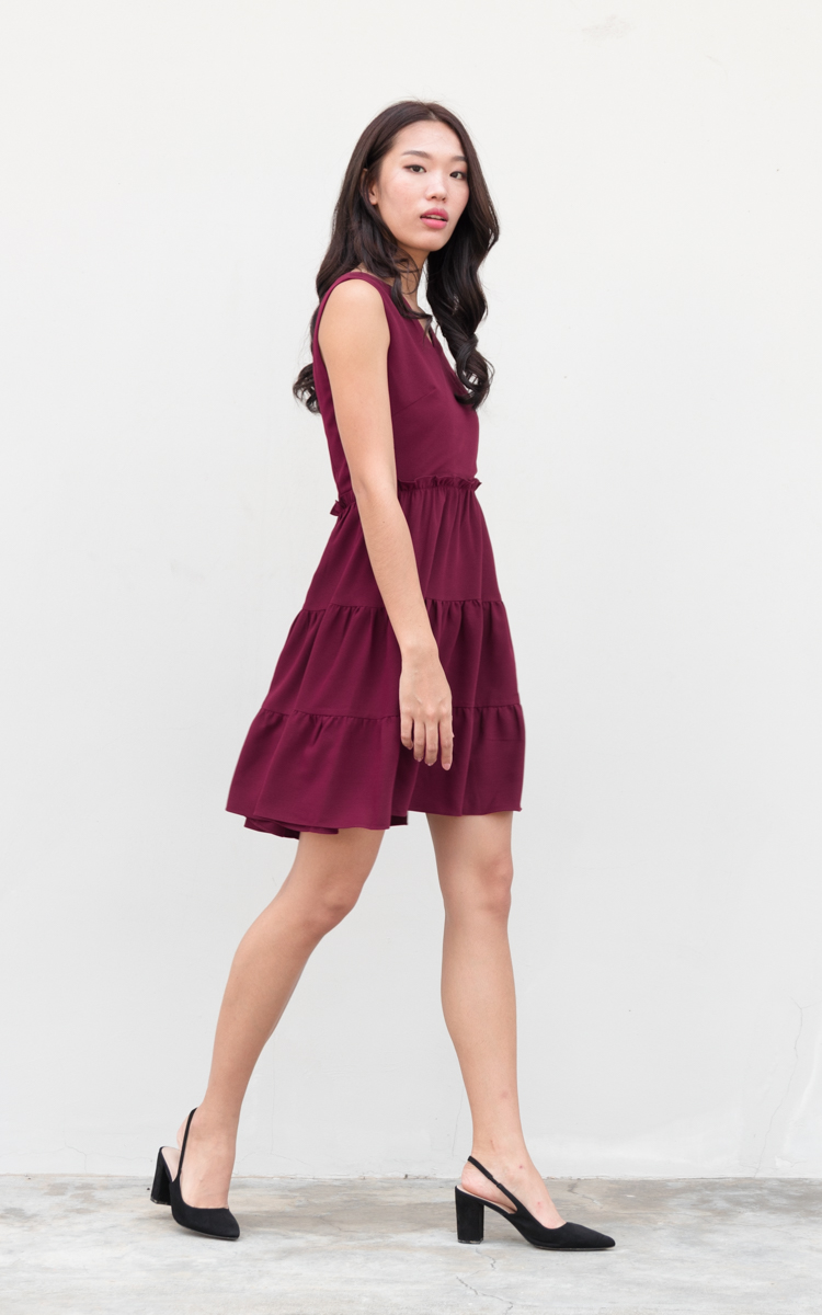 Yanis Tiered Dress in Wine Red